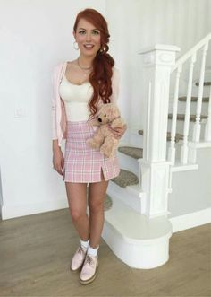 Elena gheorghe looks in this picture like a school girl. Beautiful Redhead, Simply Beautiful, Beautiful Women, Red Heads Women, Redhead Girl, Lady In Red, Redheads, Red Hair, Style Icons