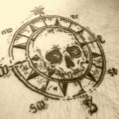 Skull Compass Pirate                                                                                                                                                     More Pirate Compass Tattoo, Pirate Flag Tattoo, Pirate Skull Tattoos, Pirate Ship Tattoos, Compass Tattoo Design, Elbow Tattoos, Sleeve Tattoos, Finger Tattoos, Hand Tattoos