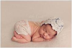 Natalie D'Aoust Photography - Edmonton Newborn Photographer - #babyphotos #newbornphotographyideas #newbornprops #newborn #bestnewbornphotos #lacenewbornprop