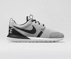 Nike Roshe Run Tech Fleece