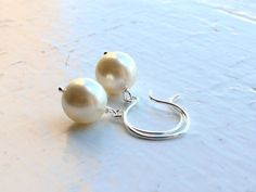 Bridesmaids Earrings / Pearl Earrings / by DavieandChiyo on Etsy, $16.00