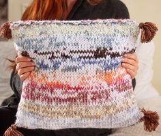 Yarn Stash DIY Pillow | Use your yarn scraps to make this fun throw pillow!