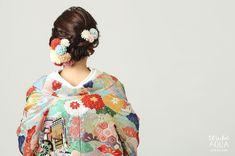 お花で飾った、はんなり可愛い和装のブライダルヘアカタログ | marry[マリー] Aiko, Japanese Outfits, Yukata, Japan Fashion, Hairdresser, Snow White, Dream Wedding, Hair Makeup, Hairstyle