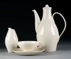 Eva Zeisel's Museum Service (designed 1942-43), made by Castleton China, exhibited and sold by MoMA beginning in 1946.