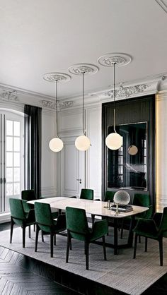 A dining room decor to make your guests feel envy! Grab the best dining room decor ideas to make your dining room design be the best when it comes to modern dining rooms designs. A best of when it comes to interior design ideas. Elegant Dining Room, Luxury Dining Room, Dining Room Lighting, Dining Room Design, Green Dining Room, Table Lighting, Modern Dining Rooms, Office Lighting, Living Rooms