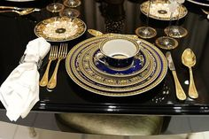 Versace Home Holiday table