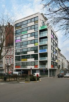 Pantone Hotel in Brussels. Like to go there!