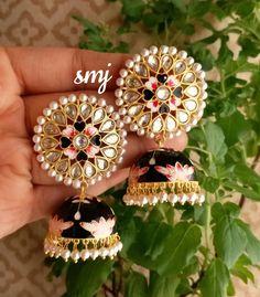 Indian Jewelry Earrings, Indian Jewelry Sets, Jewelry Design Earrings, Indian Wedding Jewelry, Gold Earrings Designs, Jewelery, Antique Jewellery Online, Fancy Jewellery, Stylish Jewelry