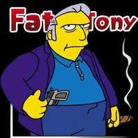 tony el gordo, Tony es el capo de la mafia de Springfield y encarna el estereotipo de jefe mafioso italoamericano.  Entre sus delitos se incluyen el juego ilegal,6 y el contrabando de cigarrillos y de bebidas alcohólicas.