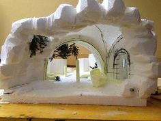Pin by Isabel Guzman on Nativity Christmas Village Display, Christmas Nativity Scene, Christmas Villages, Nativity Stable, Diy Nativity, Diy Crafts For Gifts, Christmas Crafts, Christmas Decorations, Christmas Cave