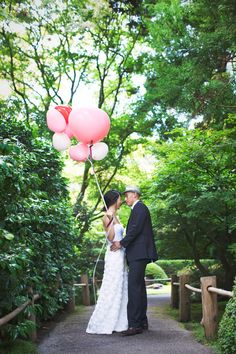 Bride & Groom elopement photography at San Francisco's Japanese Tea Garden by Alison Yin Photography & The Frosted Petticoat