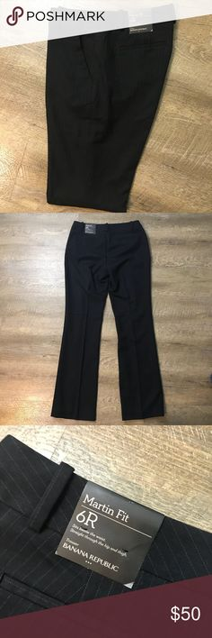 "Banana Republic Martin Fit Trouser Dress Pants Sz6 Banana Republic Factory Size 6 Black with pin stripe  Martin Fit  Approx 33"" inseam Approx 19"" leg opening Approx 15.5"" Waist Approx 8.5"" Rise Polyester Rayon Spandex elastane New with tags No trades Banana Republic Pants Boot Cut & Flare"