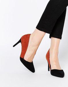 New Look   Zapatos de salón de corte ancho con tacón en colour block de New Look en ASOS