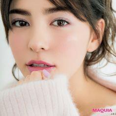 「MAQUIA」2月号から、エレガンスのおうちデートに応用できるパステルパレットと、千吉良恵子さんによる洗練使いこなし術をご紹介します。ヘア&メイクアップアーティスト 千吉良恵子さんメイクブーム創世記から第一線で活躍。トレンドを見据えながら明る...