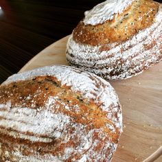 Bread loaf with black & white sesame  #Tartine #Sourdough #blacksesame #whitesesame