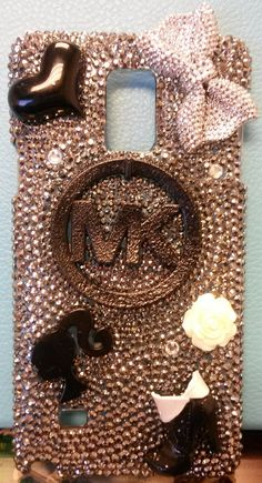 This is for sure one of the most bling-tastic phone cases i have ever seen!