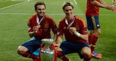 Torres and Mata after Euro 2012 Final. Amazing first EURO2012 touch from Mata and Torres played 189min in this tournament and won Golden Boot and European Championship. <3 Blue Legends