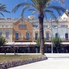 Esplendor Modernista en el Paseo Marítimo de Sitges