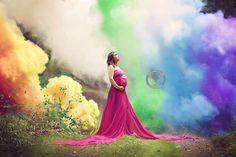 """Mãe de um """"bebê arco-íris"""" faz ensaio emocionante"""