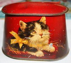 Scrumptious Victorian tin with delightful kitten by Tinternet