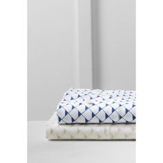 Lands' End Oxford Printed Pillowcases (26 BAM) ❤ liked on Polyvore featuring home, bed & bath, bedding, bed sheets, twin xl fitted sheet, king size pillowcases, king pillowcases, twin xl bedding and king flat sheet
