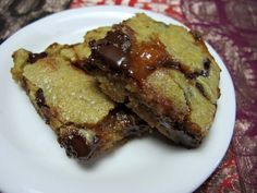 Chewy Blondies With Chocolate Chips & Salted Caramel