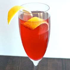 Pimm's Christmas Sparkle - Easy Cocktail Recipes