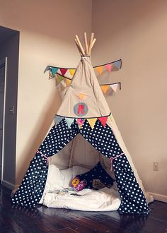 DIY Teepee!!! (via @Jen Lula-Richardson)  But pockets inside for books and maybe a stuffy net.