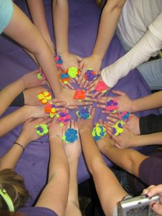 Pipe cleaner rings were one of the fun crafts we did with the girls at girls night.so easy and great for teen girls. 6 cleaners each no. Easy Fall Crafts, Easy Arts And Crafts, Crafts To Make, Fun Crafts, Crafts For Kids, Spa Birthday Parties, Slumber Parties, T Craft, Craft Ideas