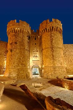Medieval walls of the Fortress Castle Rhodes on the island of Rhodes,Greece. Rhodes, Rest Of The World, Wonders Of The World, Places To Travel, Places To See, Wonderful Places, Beautiful Places, Greece Photography, Travel Memories