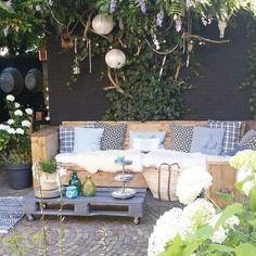 De leukste stylingideeën om je schapenvacht in de tuin of op het balkon te leggen - Alles om van je huis je Thuis te maken   HomeDeco.nl