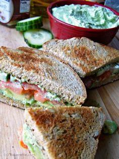 Pesto-Avocado-Sandwich