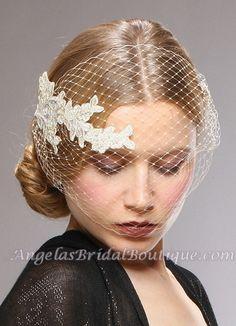 Retro Lace Applique Visor Bridal Veil - Champagne