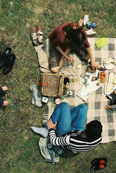 I love a good picnic, the atmosphere is so relaxed and the conversation flows as long as the wine.