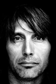 All about Mads Mikkelsen : so close to me.