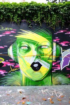 Unknown - street art - paris 19, rue henri nogueres (juil 2013)