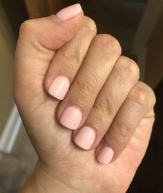 The advantage of the gel is that it allows you to enjoy your French manicure for a long time. There are four different ways to make a French manicure on gel nails. Sns Dip Nails, Dipped Nails, Nail Manicure, Nail Polish, Cute Nails, Pretty Nails, American Nails, Nagellack Design, Powder Nails