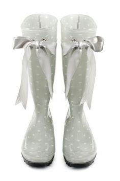 wedding rain boots <3