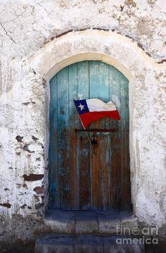 Chilean Flag on Church Door by James Brunker Building A Door, Old Building, Chilean Flag, Shut The Door, Portal, Easter Island, Unique Doors, Flags Of The World, Painted Doors