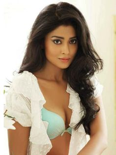 SHRIYA SARAN HOTTEST NAVEL PHOTOS — Entertainment Exclusive Photos