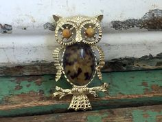 Vintage Owl Brooch/Pendant Brown Glass spotted Jelly Belly by Holliezhobbiez on Etsy