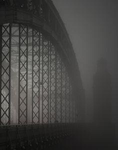 13:59, это не Лондон. Это Большеохтинский мост в Питере.