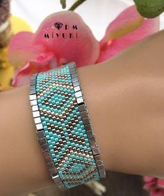 an idea to finish a bracelet - Women's Here Beaded Jewelry Designs, Jewelry Patterns, Bracelet Patterns, Jewelry Trends, Seed Bead Bracelets, Seed Bead Jewelry, Seed Bead Patterns, Beading Patterns, Handmade Beads