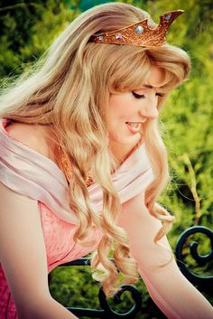 Aurora - I am so in love with Aurora's new hair<3