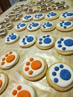Get ready for tailgates and Auburn themed parties! Auburn cookies www.cakeapotamus.com
