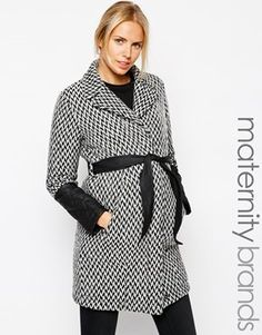Maternity Monochrome Belted Coat - the black belt totally gives you your waist back (or at least the illusion). Love this! #style
