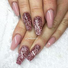 """""""Camo mix & pink glitter #naglar #nagelkär #nagelteknolog #naglarstockholm #nagelförlängning #uvgele #gele #gelenaglar #gelnails #nails #nailart…"""""""
