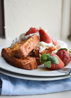 Bookmark this recipe to make Angel Food Cake French Toast Sticks for Valentine's Day breakfast. Fried Honey Bananas, Chocolate Angel Food Cake, Delicious Desserts, Yummy Food, Yummy Treats, French Toast Sticks, Breakfast Recipes, Breakfast Dishes, Breakfast Catering
