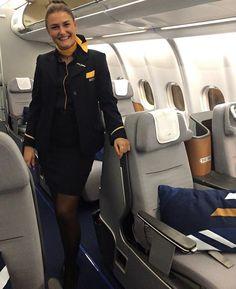 Airline Cabin Crew, My Future Job, British Airways, Flight Attendant, Fantasy Girl, Travel Essentials, Female, Womens Fashion, Dream Job