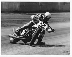 Indy Mile with Kenny Roberts Flat Track Motorcycle, Flat Track Racing, Motorcycle Racers, Road Racing, Motorcycle Art, Yamaha 650, Yamaha Motorcycles, Track Pictures, American Motorcycles